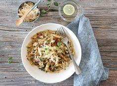 KREMET ONE POT-PASTA MED KYLLING, SPINAT OG SQUASH One Pot Pasta, Squash, Cravings, Ethnic Recipes, Parmesan, Food, Spinach, Basil, Pumpkins
