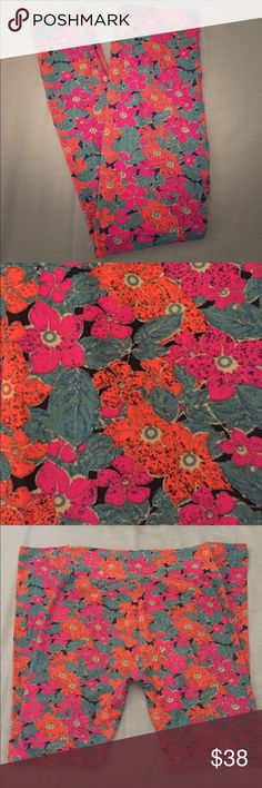 NWOT LuLaRoe OS Floral 🌺 Leggings NWOT LuLaRoe OS Floral 🌺 Leggings / BEAUTIFUL flowers in orange, bright pink, and dark teal on a black background. Super soft and Perfect for Spring/Summer!!! 😊☀️ **CROSS POSTED** LuLaRoe Pants Leggings
