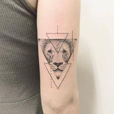 Lion Tattoo Artist: 横山 Kristie Yuka 23 Tattoo Artist -