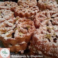 Si chiamano Ruote e sono un dolce tipico delle feste a Menfi (AG). #italiaintavola #siciliaintavola  #traditionalfood #italianfood #italiarecipe