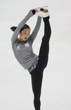 Ice Skating, Figure Skating, Kim Yuna, Two Daughters, Girl Fashion, Womens Fashion, Female Athletes, Sport Girl, Asian Girl