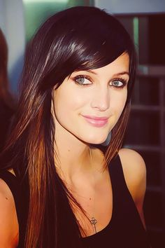 Ashlee Simpson- gorgeous no matter what she does with her hair