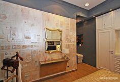 Pareti decorative, curate nei dettagli, in una camera da letto in esposizione nel nostro show room!