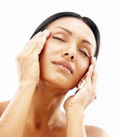 Ezzel a házi arcpakolással 10 évvel fiatalabbnak nézhetsz ki: Mindössze ez kell hozzá - Blikk Rúzs Best Skin Care Regimen, Skin Care Tips, Acne Skin, Acne Prone Skin, Go Fund Me, Makeup Aisle, Oil Cleansing Method, Moisturizer For Oily Skin, Best Oils
