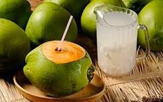 When You Consume Coconut Water, This Happens To Your Blood Sugar and Abdominal Fat! The latest health trend in America, coconut water, is a natural drink abundant in immune boosting vitamins and nu… Weight Loss Water, Weight Loss Drinks, Coconut Water Benefits, Drinking Every Day, Health World, Women's Health, Lemon Diet, Health Trends, Abdominal Fat