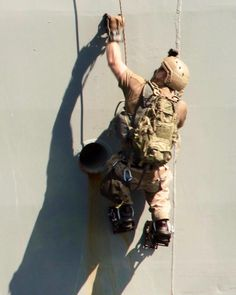 Where can I get a set of these climbers? Marsoc Marines, Us Marines, Navy Military, Army & Navy, Navy Seal Workout, Naval Special Warfare, Boot Knife, Us Navy Seals, Killed In Action