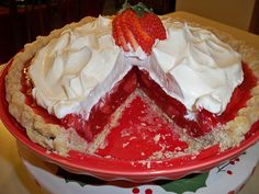My friend Regina has the BEST strawberry pie recipe you've ever had - and she's been kind enough to share it with all of us! Sweet Desserts, Just Desserts, Sweet Recipes, Delicious Desserts, Yummy Food, Healthy Food, Healthy Recipes, Pie Dessert, Dessert Recipes