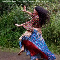 Romani Gypsy dance in photos. Gypsy dance by Nelly Maltseva