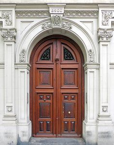 Grand Entrance, Entrance Doors, Doorway, Arched Doors, Windows And Doors, Entrance Design, Door Design, Classical Architecture, Architecture Design