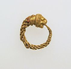 Lion Headed Earring, 4th-3rd Century BC, Etruscan, (Source: The Metropolitan Museum)