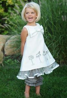 Her dress is so cute!