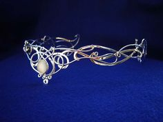 Google Image Result for http://www.medievalbridalfashions.com/catalog/images/SilverMoon_Circlet4.JPG