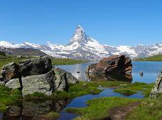Fantastischer Blick aufs Matterhorn und Bergwelt beim Stellisee. Zermatt, Highlights, World, Beautiful, The World, Luminizer, Hair Highlights, Highlight, Peace
