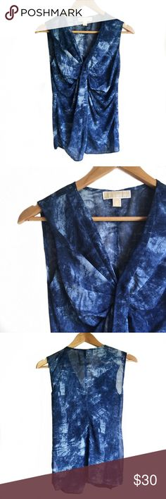 // M i c h a e l K o r s • T o p • Sz XS // Michael Kors blue tie dye blouse with side zipper Sz XS Michael Kors Tops Blouses