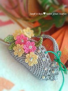 Mini basket of flowers fridge magnet ♥♥