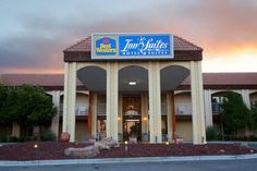 This hotel is located 4 miles from downtown Albuquerque and one block from the Albuquerque International Sunport. This hotel features an airport shuttle and free Wi-Fi in every suite. #bestworldhotels #travel #us #albuquerque