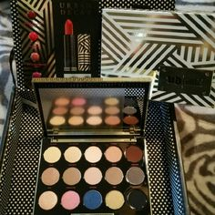 Urban Decay Gwen Stefani Eyeshadow Palette New Limited Gorgeous colors A must have! Urban Decay Makeup Eyeshadow