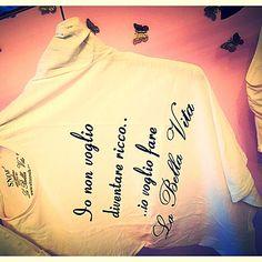 Parti con SNOB..... Acquista la t-shirt in VENDITA sul sito www.vitasnob.com  #brand  #lifeissnob #labellavita  #snob  #crazyforsnob #verysnobpeople #summerissnob #itsnobtime #keepcalmandbesnob #onlysnob #siamotuttisnob#moda#abbigliamento#amazing#blogger#brand#beautiful#bloggeroom#buongiorno#cool#dresscode#estate#effettispeciali#fashion#facciamomoda#fashiontime#italia#instagram#moda#milano#momentidaincorniciare#novita