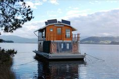 Mickey's House Boat Huon River South Tasmania