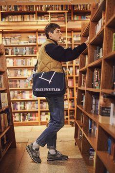 Human Figure Sketches, Pose Reference Photo, Books For Boys, Fashion Poses, Japan Fashion, Minimal Fashion, Denim Fashion, Photo Sessions, Men Dress