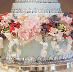 Luxury Wedding Cake, Wedding Cakes, Sugar Flowers, Hydrangea, Peonies, Decorative Boxes, Desserts, Handmade, Instagram