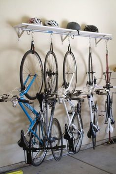 Think having an organized garage is just a dream? Since we often enter our homes via the garage, it would be great if our garages were organized, functional, and pretty, right? Here are 12 organized garage ideas! Hanging Bike Rack, Diy Bike Rack, Bike Storage Rack, Bicycle Rack, Tote Storage, Hanging Storage, Garage Storage Solutions, Diy Garage Storage, Storage Systems
