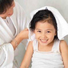 10 Strategies for Toddler Hairwashing