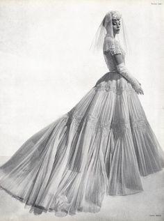 Nina Ricci Wedding Dress, photo by Georges Saad, 1954 Wedding Dress Styles, Wedding Attire, Bridal Dresses, Wedding Gowns, Vintage Wedding Photos, Vintage Bridal, Vintage Weddings, Vintage Mode, Retro Vintage