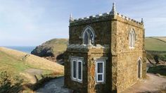 What a luxurious little castle... Holiday Home in Cornwall (offered by The National Trust)