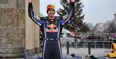 Vettel bleibt Weltmeister - Formel 1 - Sebastian Vettel reicht ein sechster Platz, um zum dritten Mal Weltmeister werden. Rekordweltmeister Michael Schumacher beendet seine Formel 1-Karriere mit einem siebten Platz.