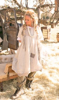 Based in Fredericksburg, Texas, Magnolia Pearl is the creation of Robin Brown, a clothing line composed of vintage fabrics and laces. This unique layered look i Romantic Outfit, Romantic Clothing, Romantic Fashion, Bohemian Clothing, Chic Clothing, Upcycled Clothing, Bohemian Gypsy, Chic Outfits, Pretty Outfits
