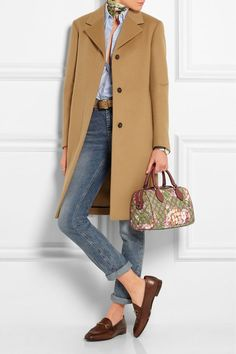 Camel coat, jeans, denim shirt, silk scarf, brown loafers and Gucci Linea A Boston leather-trimmed printed coated canvas shoulder bag. Mode Outfits, Winter Outfits, Casual Outfits, Fashion Outfits, Fashion Mode, Womens Fashion, Fashion Trends, Mode Ab 50, Gucci Coat