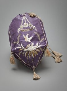 Women's Reticule (image 3) | French | 1800-1825 | silk, sequins | Los Angeles County Museum of Art | Object #: M.2007.211.253