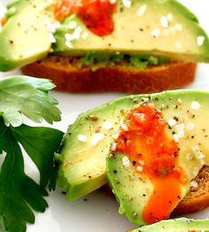 Crostini med avocado Avocado Toast, Breakfast, Food, Gourmet, Kitchens, Morning Coffee, Essen, Meals, Yemek