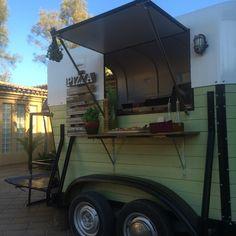 Food Trucks! Pizza horse trailer:) Little Kitchen Portugal/