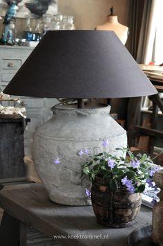 lampvoet oude kruik