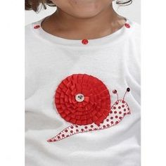 Camiseta decorada aplique