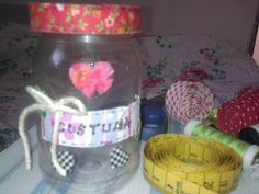 Reciclando com pote de maionese e whash tape feita com retalhinhos. Dia das Mães. Ioná A.