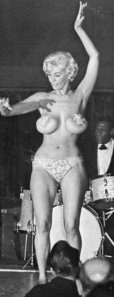 Full body nudes of girls white