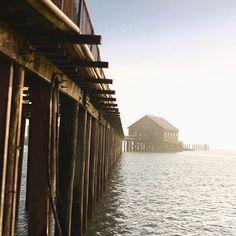 A stroll along Oregon's longest pier will reveal enchanting coastal views, as well as a great spot for fishing, crabbing, and bird watching. Coos Bay Oregon, State Of Oregon, Oregon Coast, Oregon Vacation, Oregon Travel, Ocean Beach, Beach Fun, Tillamook Bay, Oregon Beaches