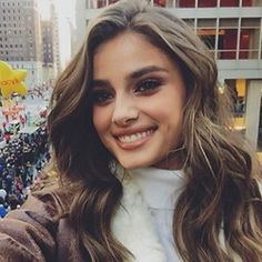 Taylor Hill Fashion, News, Photos and Videos - Vogue Taylor Marie Hill, Rachel Roy, Best Model, Beauty Full Girl, Taylors, Curled Hairstyles, Hairdos, Girls Wear, Makeup Inspiration
