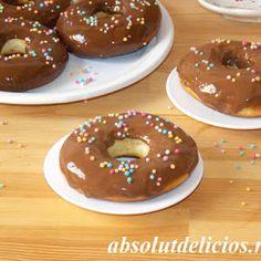 Absolut Delicios: COZONAC FLOARE CU NUTELLA Doughnut, Nutella, Gem, Cooking Recipes, Desserts, Food, Tailgate Desserts, Deserts, Chef Recipes