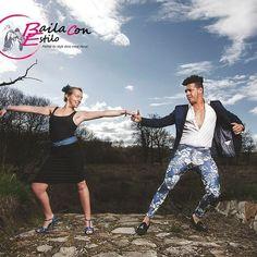 Sophie Belmonte professeur de salsa cubaine basée à Limoges inconditionnelle de rumba qu'elle pratique avec le grand Ibra Chavez porte notre modèle de fabrication italienne  #chaussurededanse #chaussuredemariee #chaussureconfortable #chaussurefemme #chaussuresapaillettes #glittershoes #weddingshoes #danceshoes