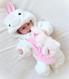 Rare Baby Names 2016 for Girls Cute Little Baby, Baby Kind, Cute Baby Girl, Little Babies, Baby Girl Pictures, Cute Baby Videos, Cute Baby Pictures, Funny Babies, Cute Babies