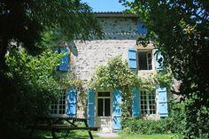 Poitiers-Limoges-Angoulême, De Herenboerderij, Frankrijk . Wat ziet dit er fijn uit, en op nog geen 900 km van Utrecht!