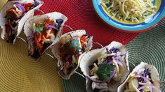The Living Room - Thursday: Chicken Tacos - Recipe By: Miguel Maestre Chicken Taco Recipes, Chicken Tacos, Quick Family Meals, Quick Meals, Meal Prep For The Week, Home Recipes, Thursday, Yummy Food, Dishes