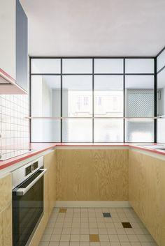 Les agencements colorés et scénographiés de larchitecte designer Dries Otten || Projet Nid de pie #kitchendesign