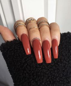 On average, the finger nails grow from 3 to millimeters per month. If it is difficult to change their growth rate, however, it is possible to cheat on their appearance and length through false nails. Perfect Nails, Gorgeous Nails, Pretty Nails, Fall Acrylic Nails, Acrylic Nail Designs, Aycrlic Nails, Swag Nails, Coffin Nails, Grunge Nails