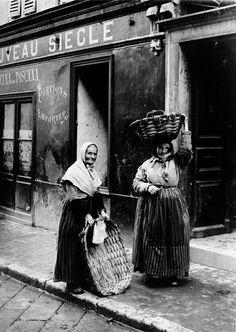 robert doisneau and sophia thomalla: Photographer Profile ~ Seeberger Brothers.