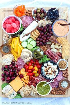 How to Make a Charcuterie Board (Meat and Cheese Platter)